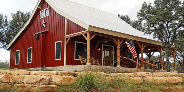 Country barn home with open porch for Barn with porch